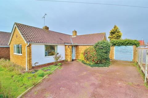 2 bedroom bungalow for sale - Rogate Road, Worthing, West Sussex, BN13