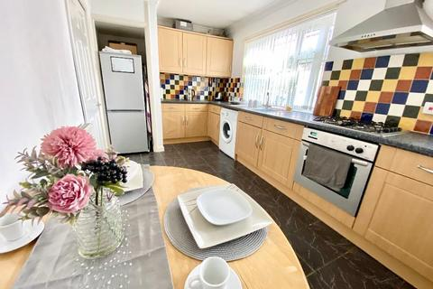 1 bedroom flat for sale - Navigation Street, Caegarw, Mountain Ash, CF45 4BW