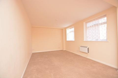 1 bedroom flat to rent - High Street, Burnham