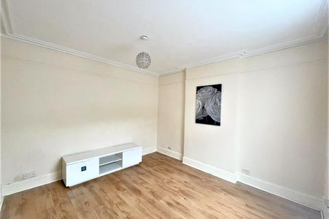 2 bedroom terraced house to rent - Two Bedroom Double Fronted House to let, Walthamstow, E17 (£1,600pcm)