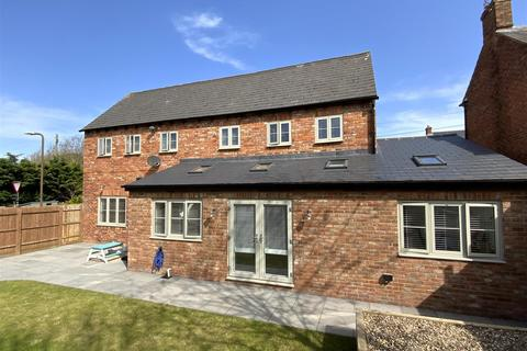 5 bedroom detached house for sale - London Road, Stony Stratford, Milton Keynes