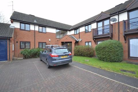 2 bedroom apartment for sale - Cricketers Close, Garforth, Leeds, LS25