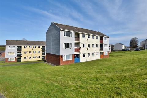 2 bedroom apartment for sale - St James Court, Haverfordwest