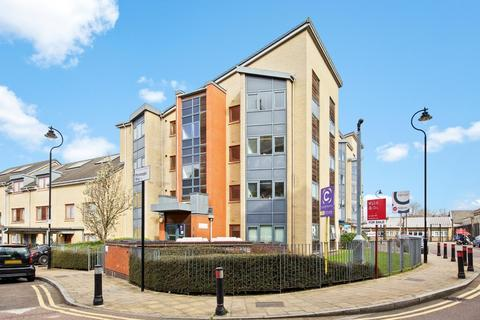 2 bedroom flat for sale - Monteagle Way, Hackney