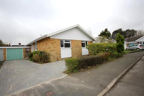 3 bedroom detached bungalow for sale - Furners Mead, Henfield