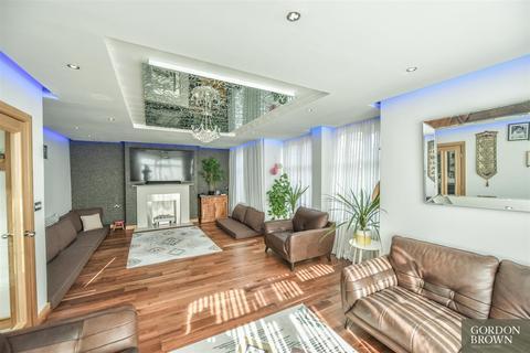 3 bedroom semi-detached house for sale - Durham Road, Gateshead