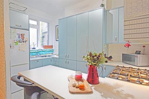 1 bedroom apartment to rent - Heath Road, Twickenham