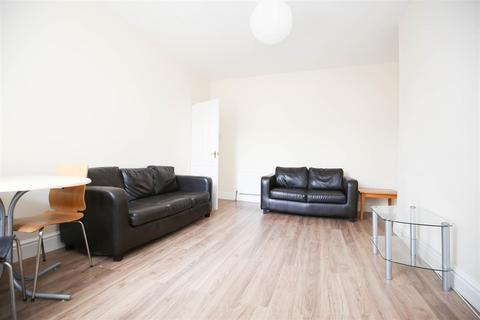 3 bedroom flat to rent - Malcolm Street, Newcastle Upon Tyne