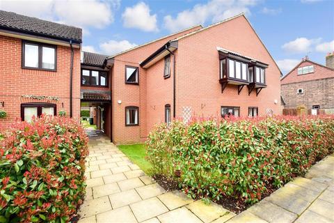 1 bedroom flat for sale - Eastwood Road, Bramley, Guildford, Surrey
