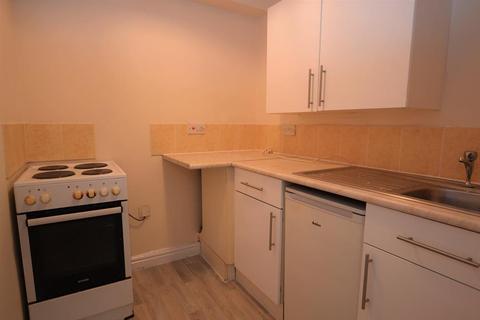 Studio to rent - Evesham Road, Cheltenham
