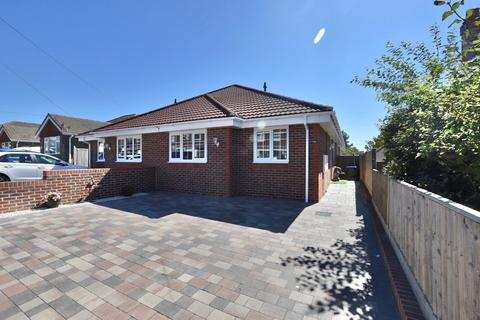 3 bedroom chalet for sale - Phyllis Avenue, Peacehaven, BN10 7RA