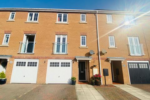 4 bedroom townhouse for sale - Horton Park, Chase Farm, Blyth, Northumberland, NE24 4JD