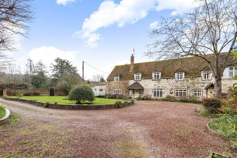 5 bedroom cottage for sale - Bisham Grange, Temple