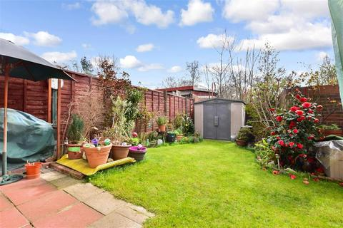 4 bedroom semi-detached house for sale - Central Park Road, East Ham, London