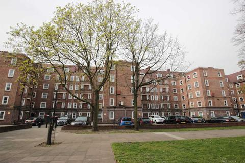 3 bedroom apartment to rent - Homerton Road, Homerton