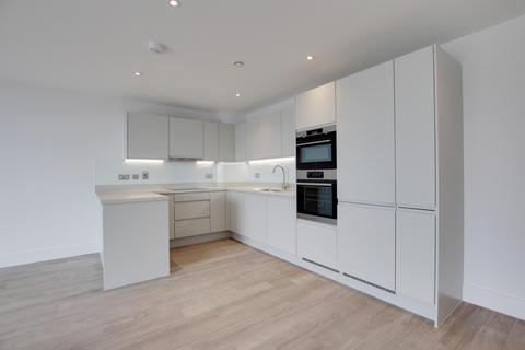 2 bedroom flat to rent - Bayside, Brighton Road, BN11