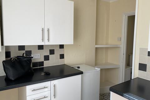 2 bedroom apartment to rent - Paignton, Paignton  TQ4