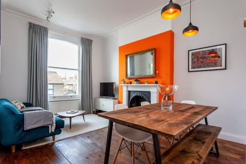 2 bedroom flat for sale - Burlington Mews, Acton, W3