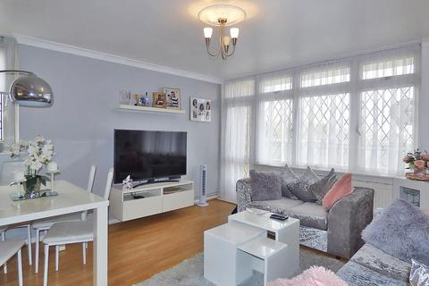 1 bedroom apartment for sale - Manor Farm Court, Holloway Road, London, E6