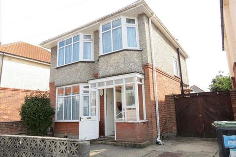 5 bedroom detached house to rent - Coombe Gardens, Ensbury Park, Bournemouth