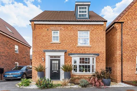 4 bedroom detached house for sale - Hopkin Way, Pocklington, York
