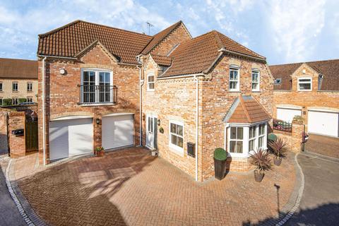 4 bedroom detached house for sale - Affords Way, North Hykeham, LN6