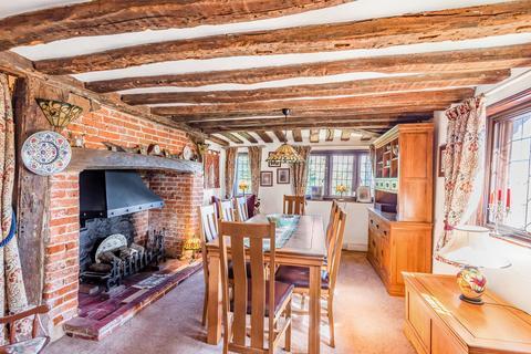 6 bedroom manor house for sale - Eyhorne Manor, Hollingbourne