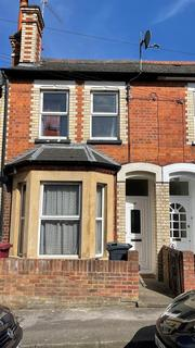 4 bedroom terraced house to rent - Henry St., Reading