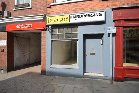 Retail property (high street) to rent - Eastgate, Lincoln
