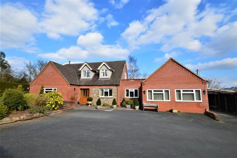 4 bedroom detached bungalow for sale - Swainshill, Hereford