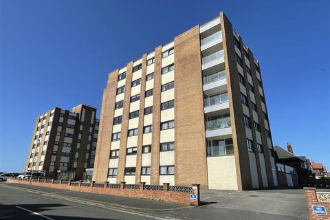 2 bedroom apartment for sale - Royal Beach Court, North Promenade, Lytham St Annes