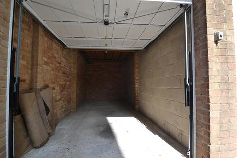 Garage to rent - New Church Road, Hove, BN3 4AJ