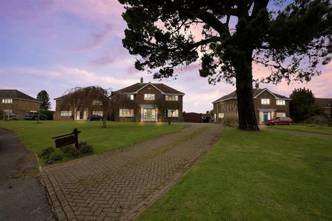 5 bedroom detached house for sale - Dane Close, Hartlip, Sittingbourne