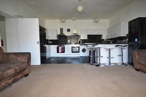 8 bedroom flat to rent - Broughton Street Edinburgh EH1 3JU United Kingdom