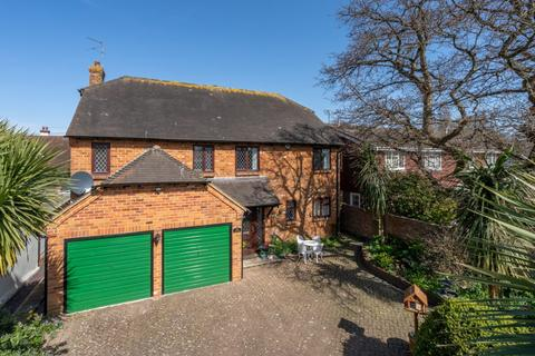 4 bedroom detached house for sale - Aldwick Street, Bognor Regis, West Sussex, PO21 3AW