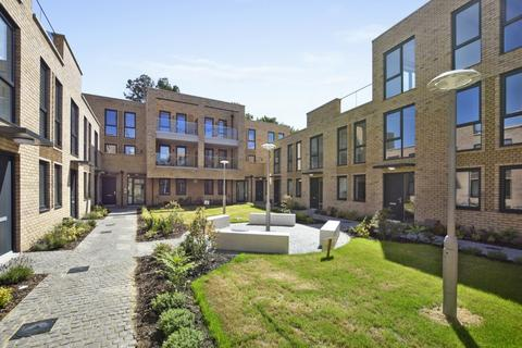 1 bedroom flat for sale - Kempton Mews, London, E6 2BF