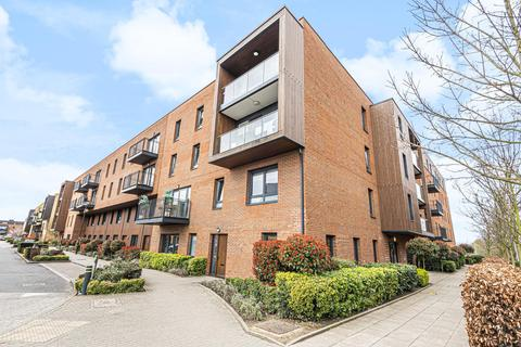 3 bedroom flat for sale - Dowding Drive, Eltham