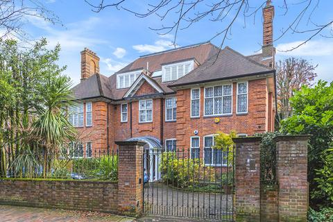 8 bedroom detached house for sale - Templewood Avenue, Hampstead, London NW3