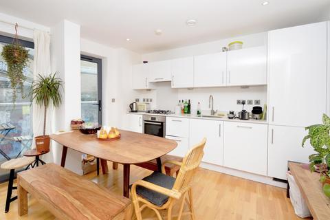 3 bedroom apartment to rent - Calvin Street, London, E1