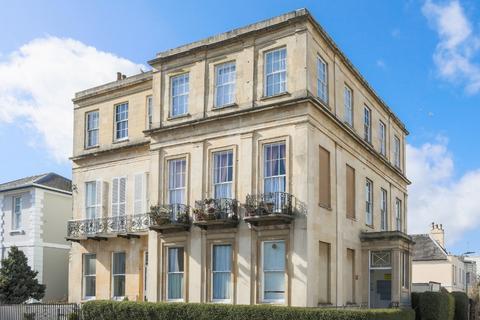 1 bedroom flat for sale - Carlton Street, Cheltenham, GL52