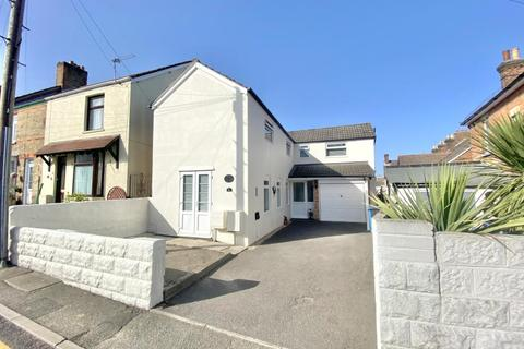 3 bedroom detached house for sale - Parkstone, Poole, BH12 2DN