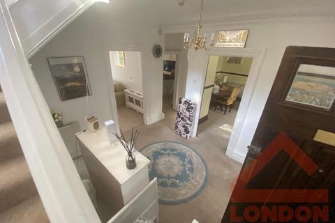 4 bedroom house share to rent - Heathhurst Road, CR2