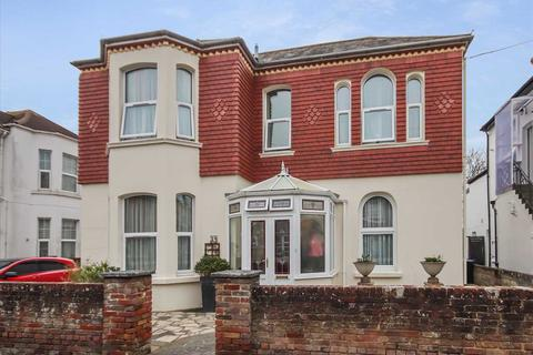 5 bedroom detached house for sale - Madeira Avenue, Worthing, BN11.