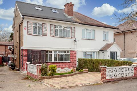 6 bedroom semi-detached house for sale - Balmoral Drive, Hayes, Greater London, UB4
