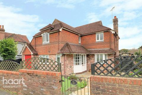 3 bedroom detached house for sale - Vicarage Lane, Haslemere