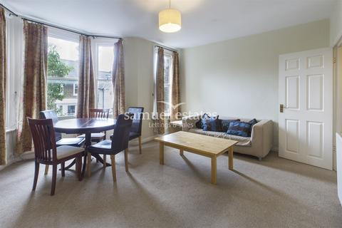 2 bedroom flat to rent - St Johns Hill Grove, Battersea, SW11