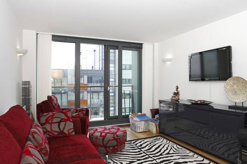 1 bedroom apartment to rent - Elektron Tower, Blackwall Way, London, E14