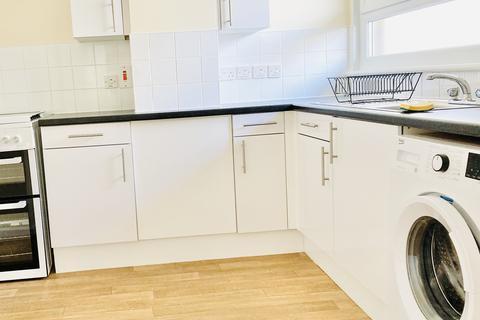 3 bedroom flat to rent - Tottenham Road , London N1