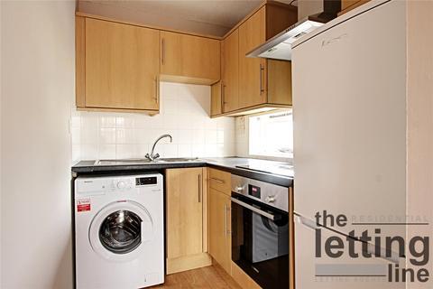 1 bedroom apartment to rent - Pilgrims Close, London, N13