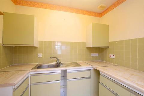 1 bedroom flat for sale - South Farm Road, Worthing, West Sussex